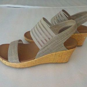 Skechers Taupe w/Silver Shimmer Platform Sandals